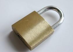 Cómo redactar una cláusula Lock-up en un pacto de socios