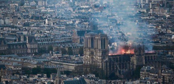 ¿Qué empresas donarán millones para restaurar la catedral de Notre Dame?